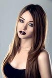 Ritratto di modo di giovane modello castana della donna Fotografia Stock Libera da Diritti