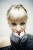 Ritratto di modo di una ragazza piacevole Fotografia Stock