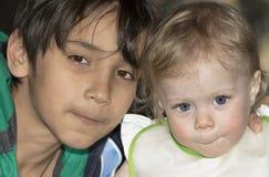 Ritratto di notte del bambino e dell'adolescente Fotografia Stock Libera da Diritti