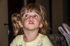 Ritratto di piccola neonata adorabile fotografie stock