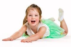 Ritratto di piccola ragazza allegra Le risate del bambino Fotografia Stock