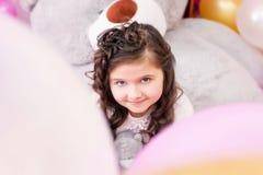 Ritratto di piccola ragazza dagli occhi castani adorabile Fotografia Stock Libera da Diritti