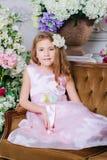 Ritratto di piccola ragazza sveglia fotografia stock libera da diritti
