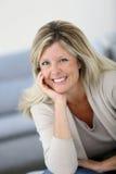 Ritratto di sorridere maturo della donna Fotografia Stock