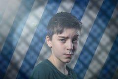 Ritratto di un adolescente di dubbio fotografia stock libera da diritti