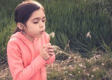 Ritratto di un agire della ragazza Fotografie Stock