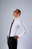 Ritratto di un allungamento dell'uomo d'affari Fotografia Stock Libera da Diritti