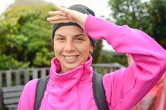 Ritratto di un alpinista femminile Fotografia Stock