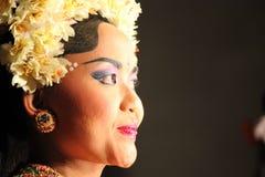 Ritratto di un ballerino tradizionale di balinese fotografie stock libere da diritti