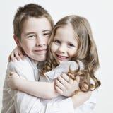 Ritratto di un bambino, di un fratello e di una sorella Fotografia Stock Libera da Diritti