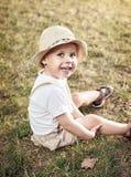 Ritratto di un bambino rilassato e allegro immagine stock libera da diritti