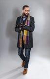 Ritratto di un giovane alla moda bello Fotografie Stock Libere da Diritti
