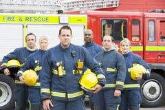 Ritratto di un gruppo di pompieri Immagini Stock Libere da Diritti