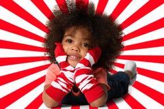 Ritratto di un'indicazione prescolare della ragazza del bambino Colpo dello studio fotografia stock libera da diritti