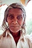 Ritratto di un mendicante nel tempio Fotografia Stock Libera da Diritti