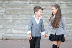 Ritratto di un ragazzo e di una ragazza Fotografia Stock