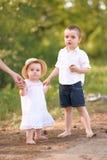 Ritratto di un ragazzo e di una ragazza Fotografia Stock Libera da Diritti
