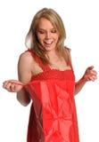 Ritratto di un sacchetto di apertura della donna Fotografie Stock