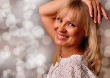 Ritratto di un sorridere maturo sveglio della donna Fotografia Stock Libera da Diritti