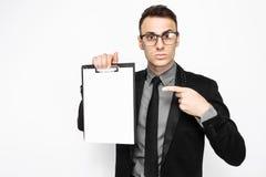 Ritratto di un uomo di affari in un vestito, sguardi fissi nella sorpresa e uff immagine stock libera da diritti