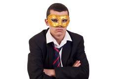 Ritratto di un giovane bello che indossa una maschera veneziana Fotografia Stock Libera da Diritti