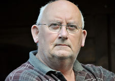 Ritratto di un uomo maschio unshaven più anziano Fotografia Stock Libera da Diritti