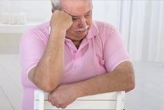 Ritratto di un uomo senior di peso eccessivo fotografia stock