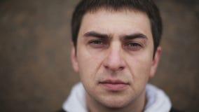 Ritratto di un uomo triste archivi video