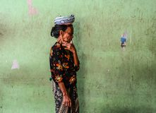 Ritratto di un venditore in Bali, Indonesia fotografie stock