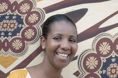 Ritratto di una bellezza di afro (donna dell'mezzo adulto) Immagine Stock