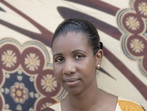 Ritratto di una bellezza di afro (donna dell'mezzo adulto) Fotografie Stock