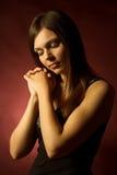 Ritratto di una donna con capelli lunghi Fotografia Stock Libera da Diritti