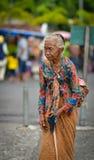 Ritratto di una donna indonesiana anziana a Jogjakarta, Indonesia Fotografia Stock