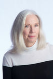 Ritratto di una donna più anziana adorabile fotografia stock libera da diritti