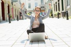 Ritratto di una donna sorridente di affari Immagine Stock Libera da Diritti