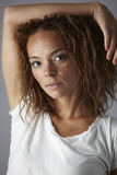 Ritratto di una giovane donna in studio, biancheria intima d'uso Immagini Stock Libere da Diritti
