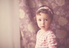 Ritratto di una neonata nello stile d'annata Fotografia Stock