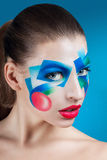 Ritratto di una ragazza con trucco creativo fotografie stock libere da diritti