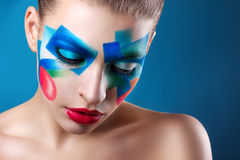 Ritratto di una ragazza con trucco creativo fotografia stock