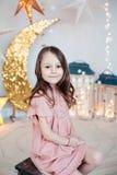 Ritratto di una ragazza graziosa sorridente Fotografia Stock
