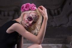 Ritratto di una ragazza in vestito nero con Immagine Stock Libera da Diritti