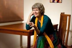Ritratto di una risata felice della nonna fotografia stock