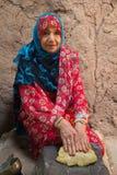 Ritratto di una signora dell'Oman in un vestito dell'Oman tradizionale Nizwa, Oman - 15/OCT/2016 Fotografia Stock
