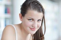 Ritratto di uno studente di college femminile grazioso Fotografia Stock Libera da Diritti