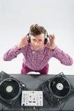 Ritratto di vista superiore della miscelazione e di filatura del DJ Immagini Stock
