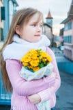 Ritratto esterno di una bambina sveglia Fotografia Stock