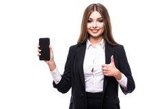 Ritratto felice, donna emozionante, giovane, attraente di affari, rappresentazione degli impiegati della società, tenuta del prim Immagine Stock