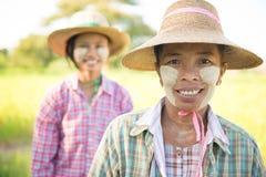 Ritratto femminile tradizionale degli agricoltori del Myanmar Fotografia Stock