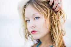 Ritratto Highkey della giovane donna Fotografie Stock