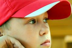 Ritratto il ragazzo in una protezione fotografia stock libera da diritti